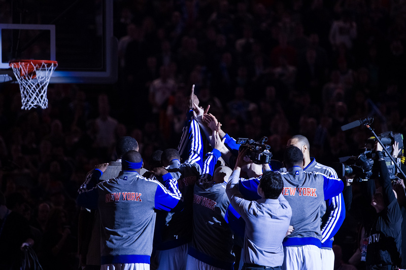 New York Knicks players in the huddle ahead of tipoff